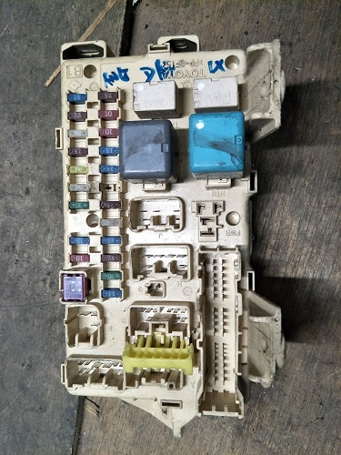 Fuse Box  Toyota Wish ANE10 D4 Fuse Box